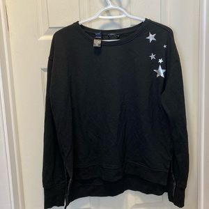 3/20$ Victoria sport star pull over sweater